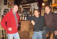 v.l.: Ramun Schweizer, Hotel Chasa de Capol mit Detlef & Gunter Sommer, SWBOE