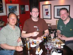v.l.: Detlef Sommer, SWBOE, Jonny McCormick, Malt Advocate und Jon Beach, Fiddler's