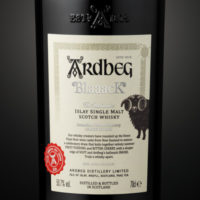 ARDBEG BLAAACK – FÜR ULTIMATIVE FANS
