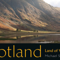 Dramatische Highland-Täler und Whiskyträume